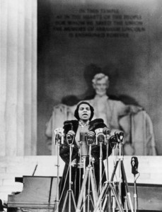 Marian Anderson singing at the Lincoln Memorial, 1939